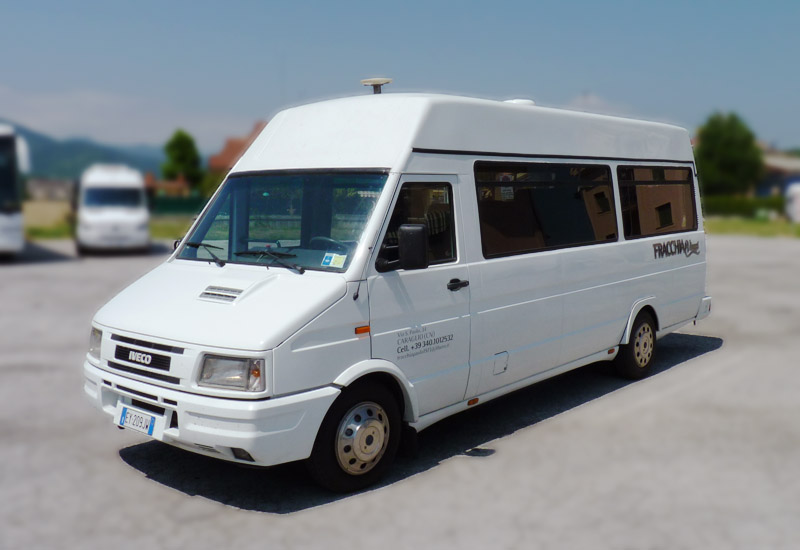 Iveco Daily Touring, 17 posti